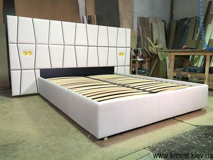 производство кроватей с розетками в изголовье на заказ
