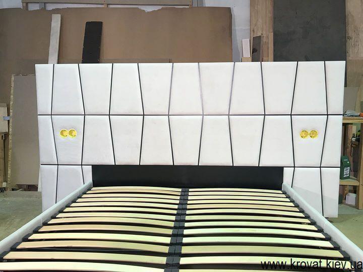 ліжка з вбудованими розетками на замовлення