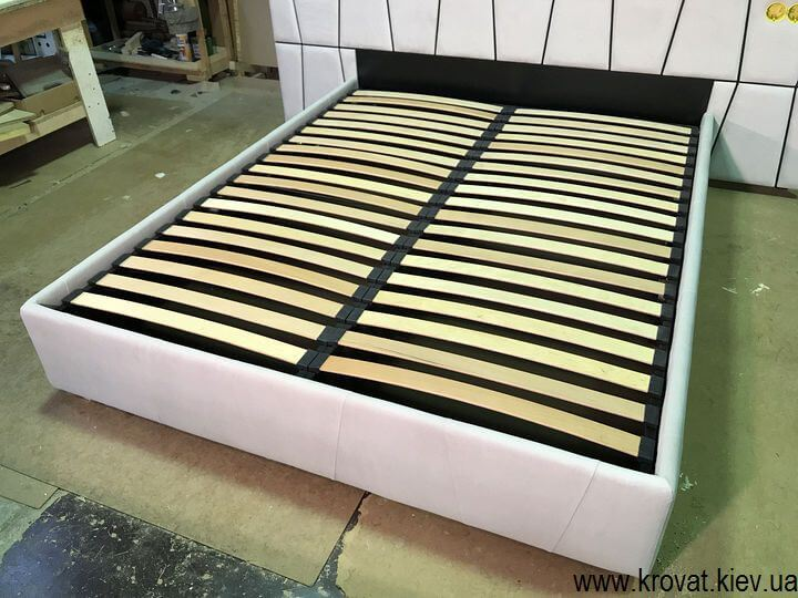кровати с розетками в изголовье на заказ