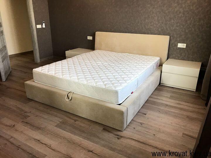 фото приліжкових тумбочок в інтер'єрі спальні