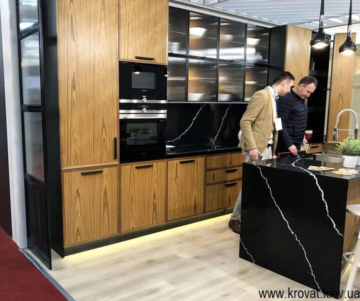 кухня на мебельной выставке в Киеве