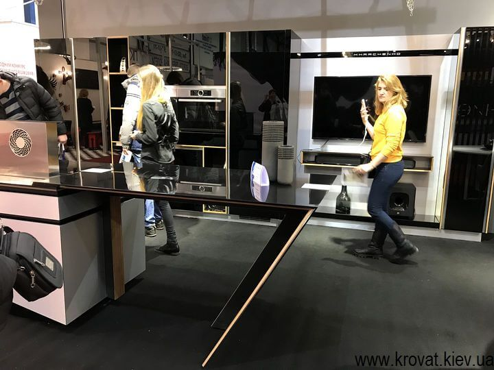 стильная кухня на выставке мебели в Киеве