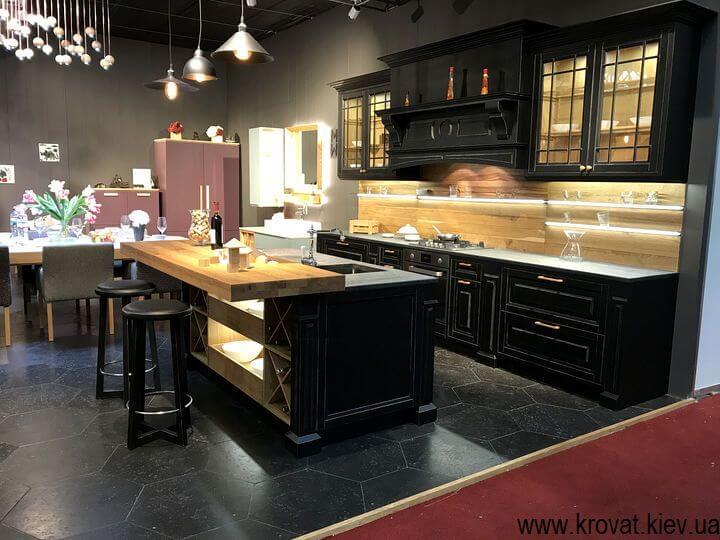 кухня с подсветкой на выставке мебели