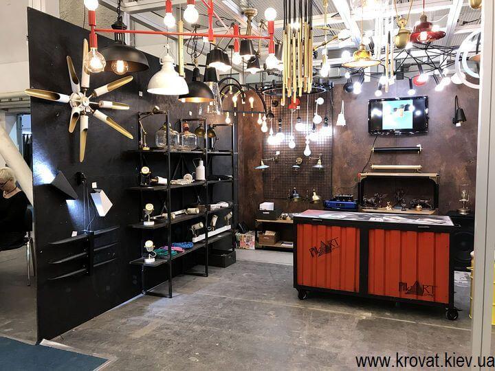светильники на выставке мебели в Киеве