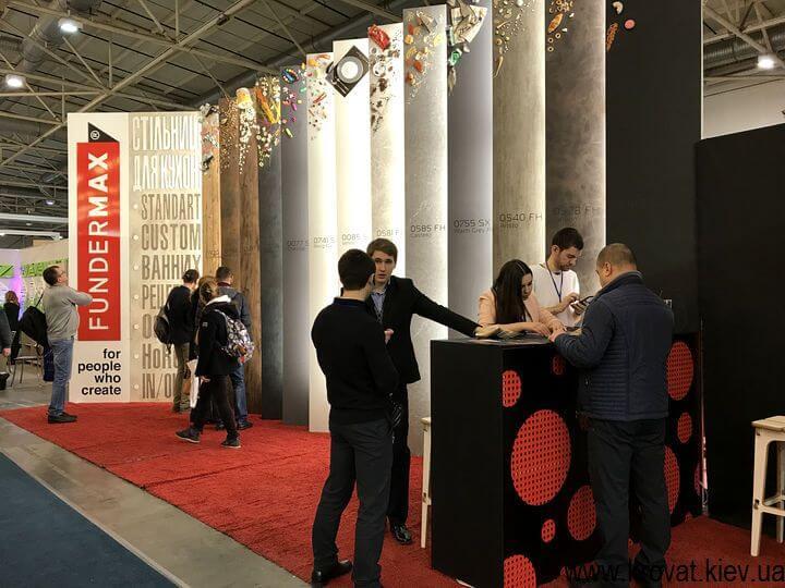 современные панели на выставке мебели в Киеве