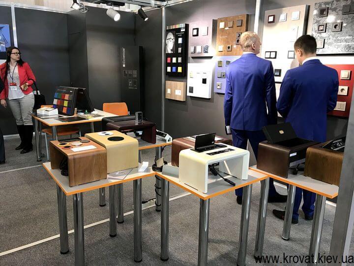 встроенные розетки и выключатели для мебели