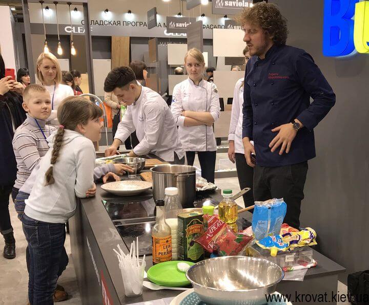 мастер класс по кулинарии на мебельной выставке KIFF 2018