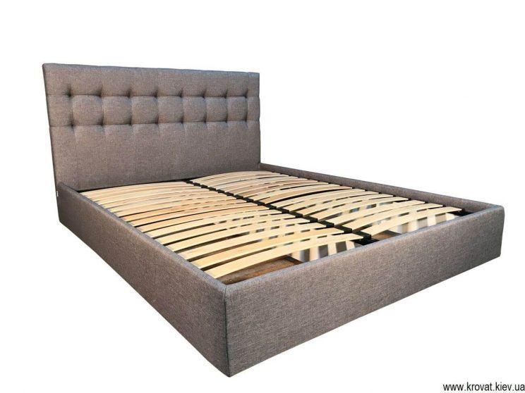 кровать с мягкой обивкой
