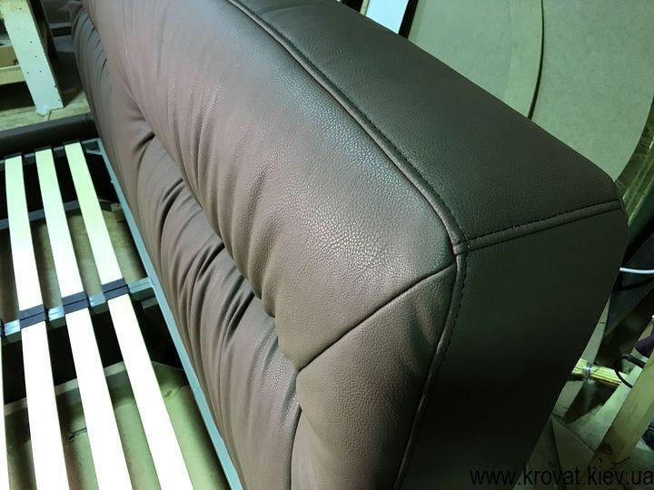 ліжко з м'яким узголів'ям і підйомним механізмом на замовлення