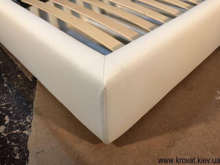 თეთრი ტყავის საწოლი თბილისში