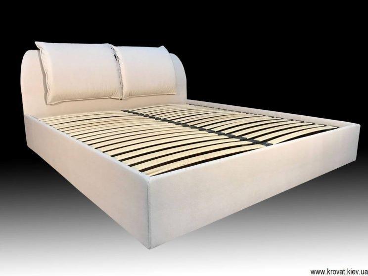 кровать изголовьем в угол на заказ