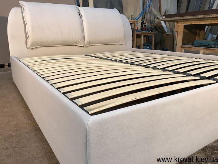 ліжко з м'якою спинкою на замовлення