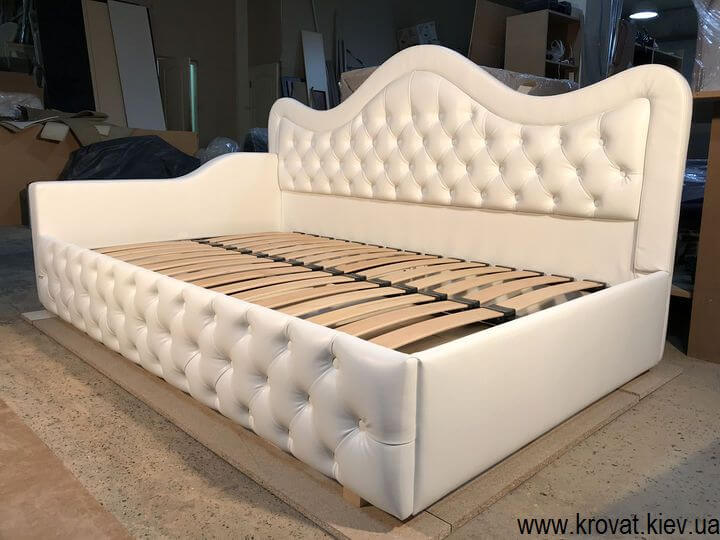 виготовлення ліжок для дівчаток на замовлення