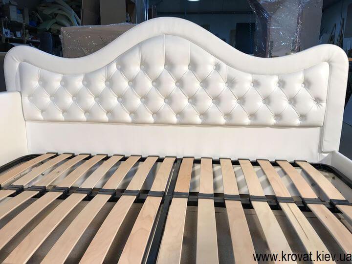 ліжко з гудзиками на замовлення