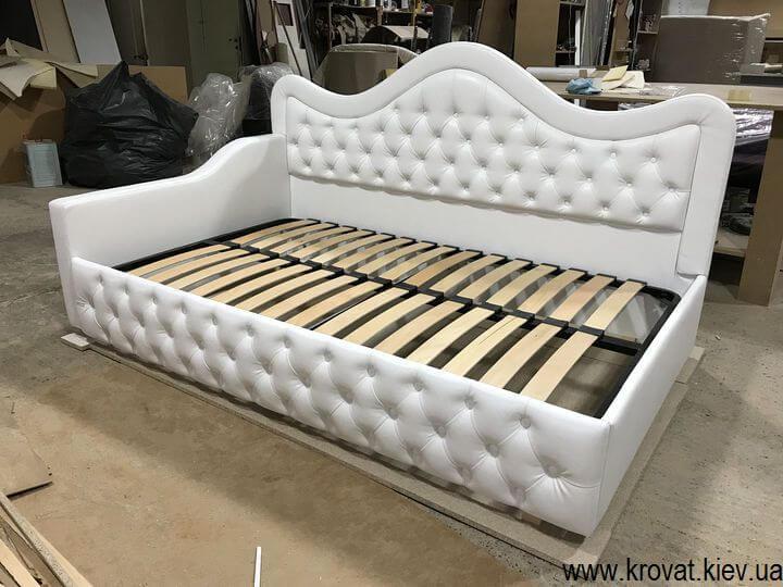 ліжка для дівчаток на замовлення