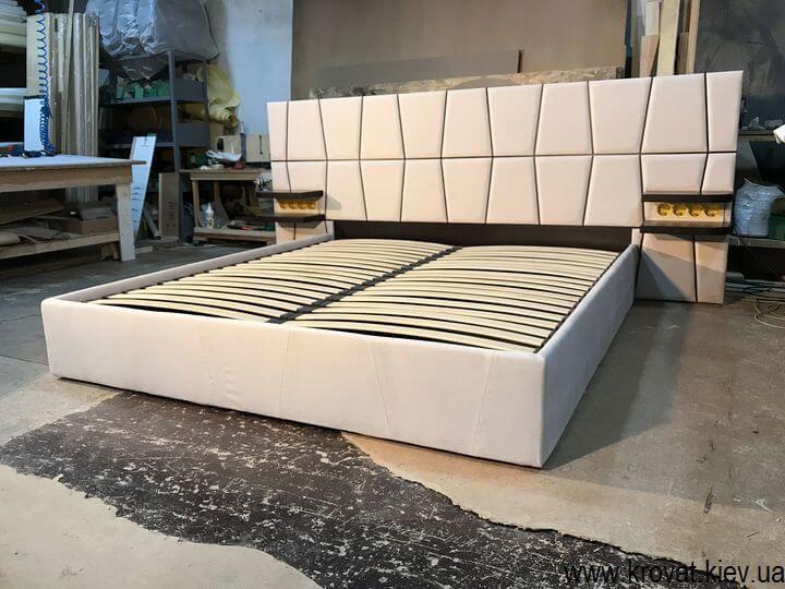 розетки вбудовані в ліжко