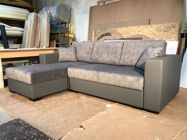 кутовий диван сірого кольору на замовлення