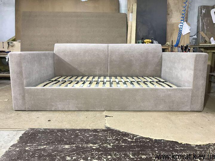 диван с нишей для белья на заказ