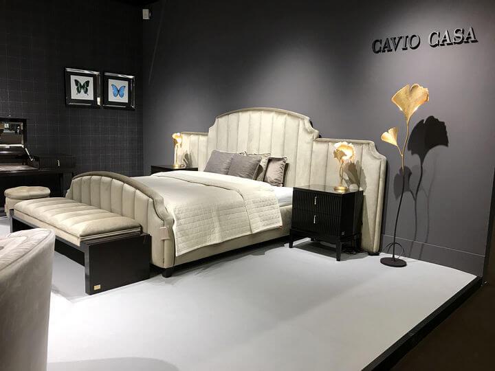 итальянская кровать Cavio Casa с широкой спинкой