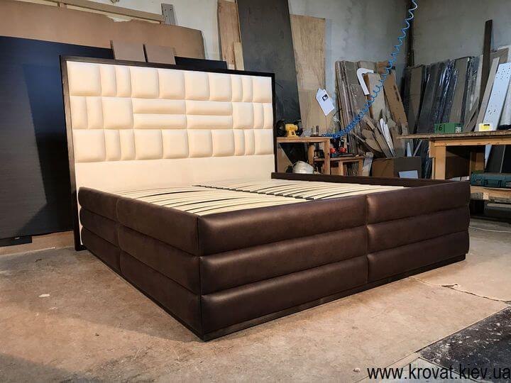 кровать американского типа