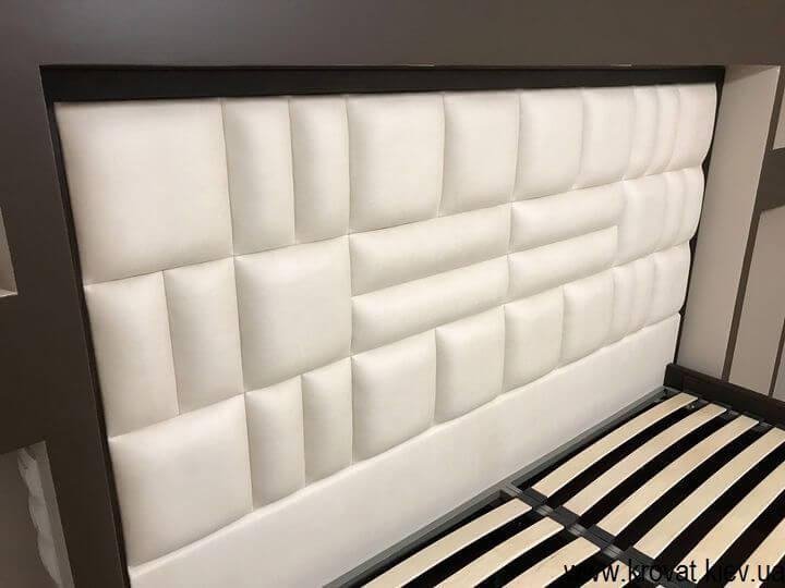 кровать со спинкой в нишу спальни на заказ