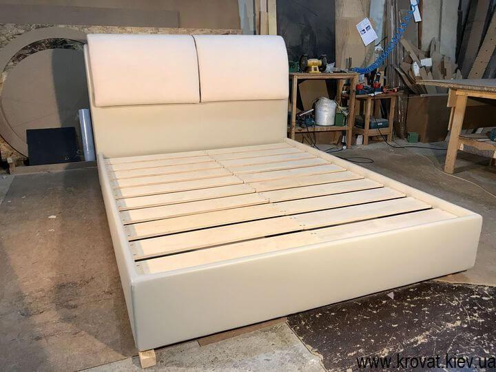 ліжка на замовлення