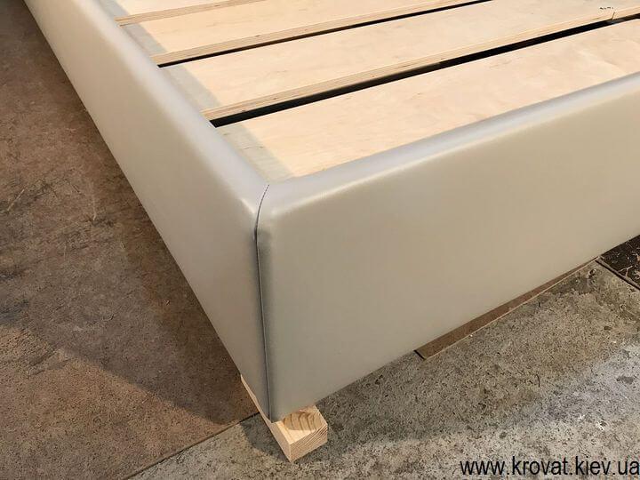 кровать без подъемного механизма из кожзама на заказ