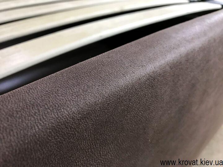 кровать изготовлена в ткани на заказ