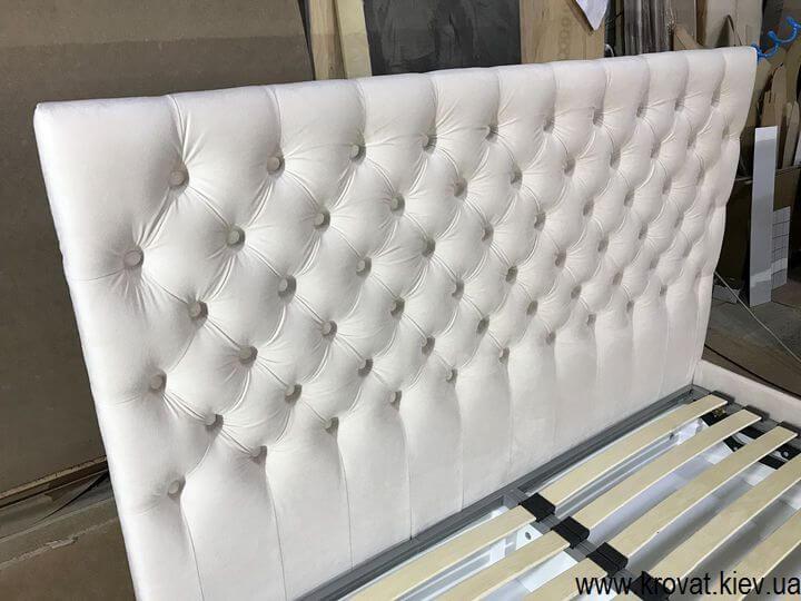кровать 160х190 с каретной стяжкой на заказ