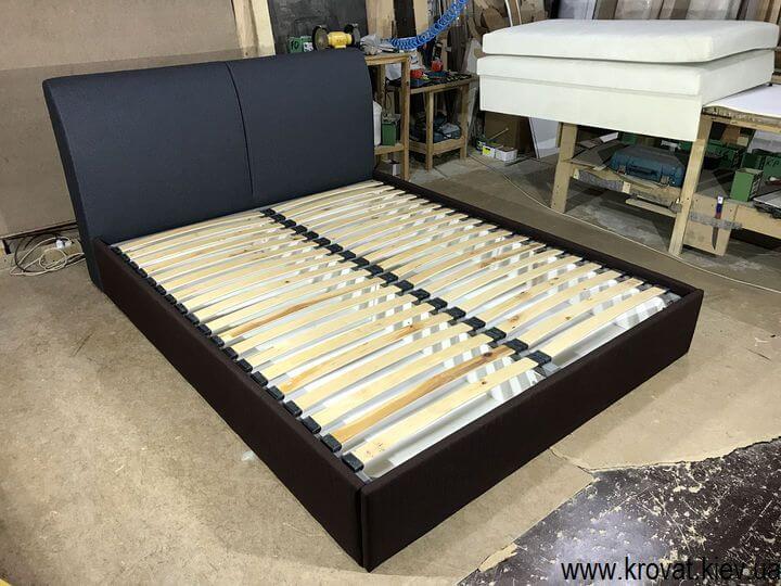 кровать с мягким подголовником на заказ