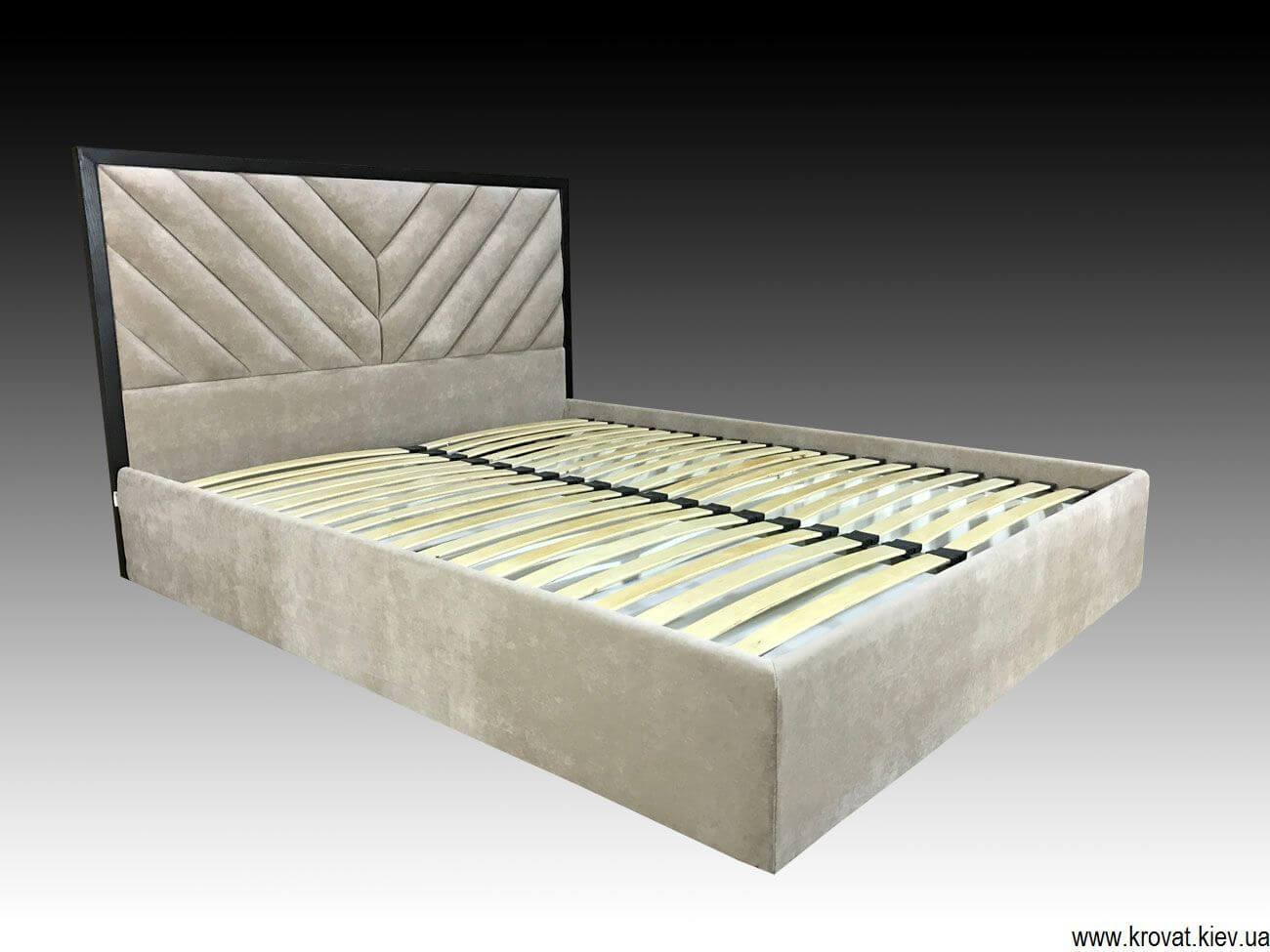 двуспальная кровать в итальянском дизайне на заказ