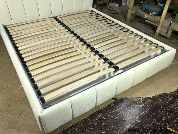 подіум ліжка з ортопедичним каркасом під матрац
