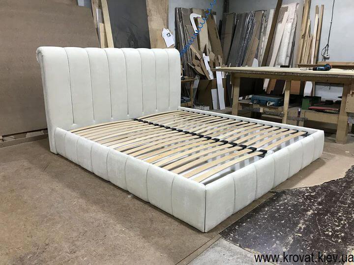 изготовление кроватей на заказ со стильным дизайном