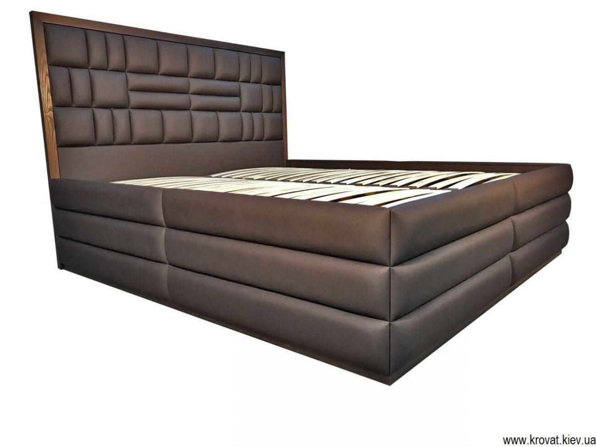 высокая двуспальная кровать