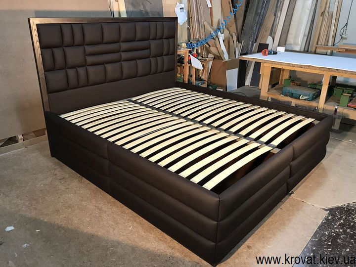 ліжко з високим подіумом на замовлення