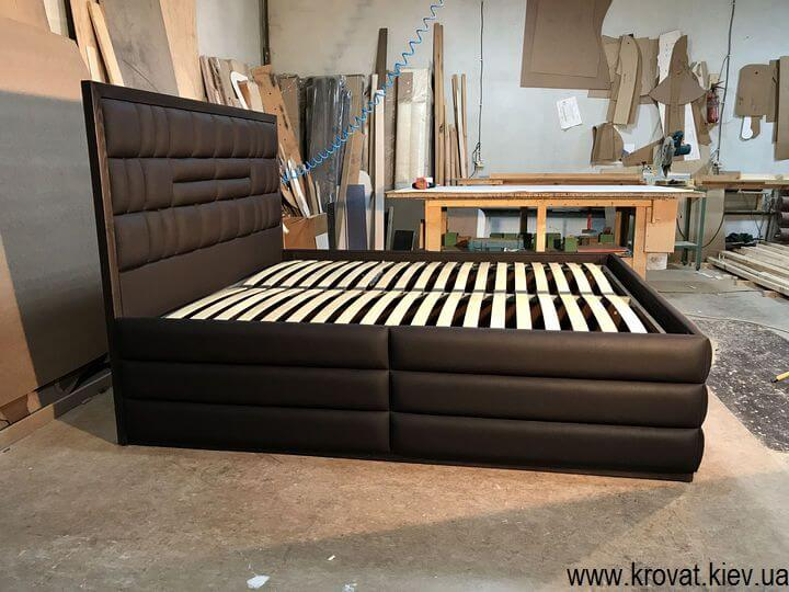высокая американская кровать с подъемным механизмом