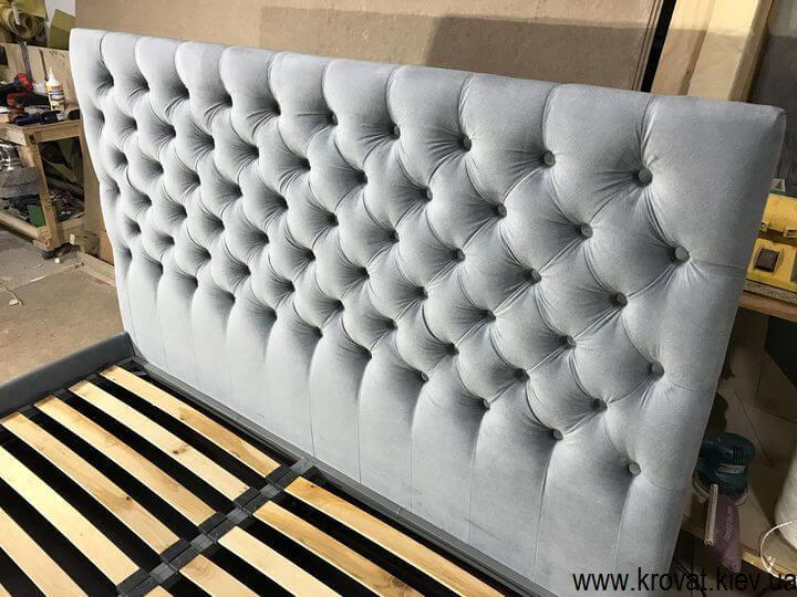 ліжко з узголів'ям з тканини на замовлення