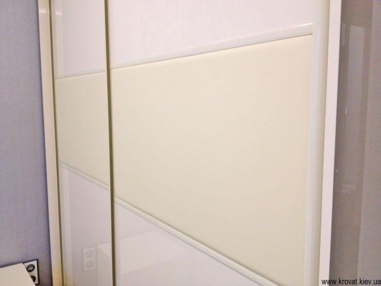 шкафы купе фасады из кожи