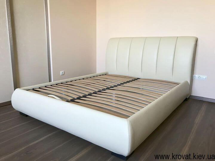 кровать евро размер в интерьере спальни на заказ