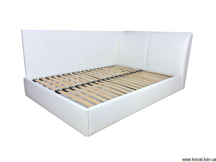 ліжко з бічною стінкою