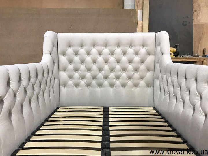 ліжко з капітоне для дівчинки на замовлення