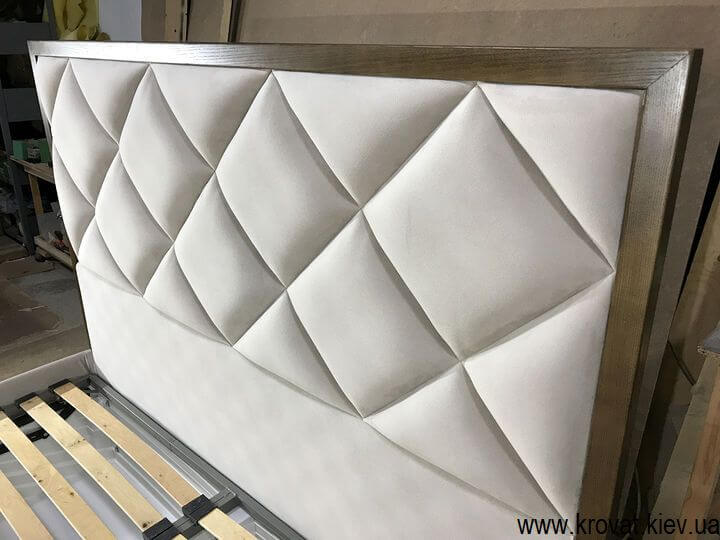 виробництво високих ліжок на замовлення