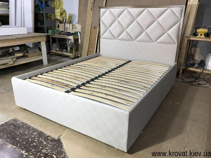 высокие американские кровати на заказ