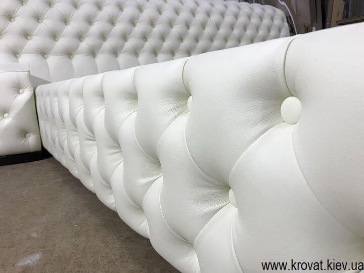 кровать кинг сайз с каретной стяжкой на заказ