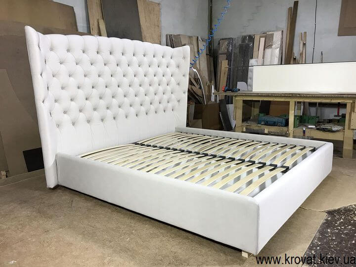 ліжко з м'яким узголів'ям на замовлення