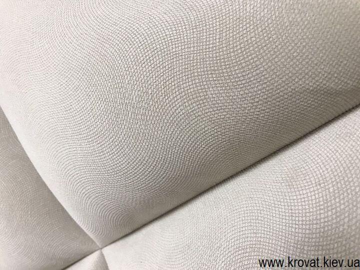 высокая кровать из ткани в спальню на заказ