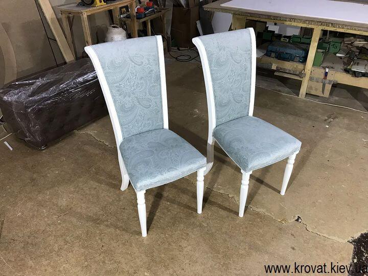 белые деревянные стулья на заказ