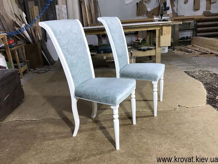 белые стулья из дерева на заказ