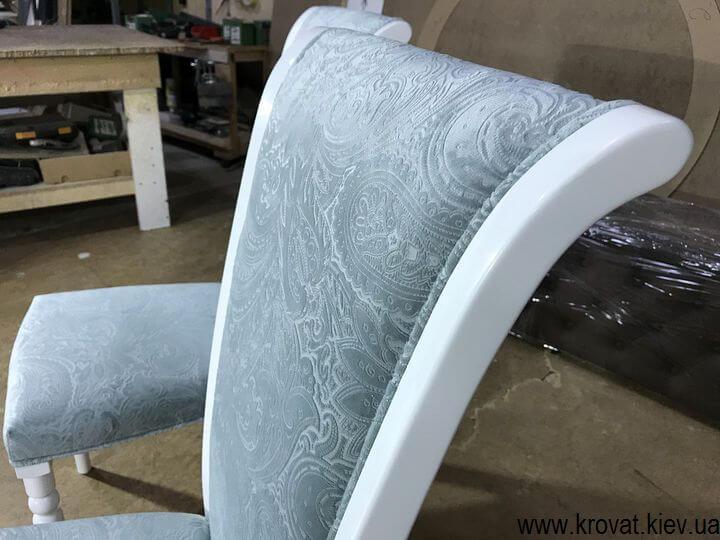 деревянные стулья в классическом стиле на заказ