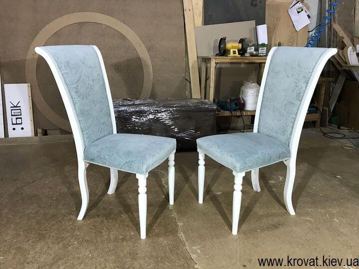 белый стул из дерева на заказ